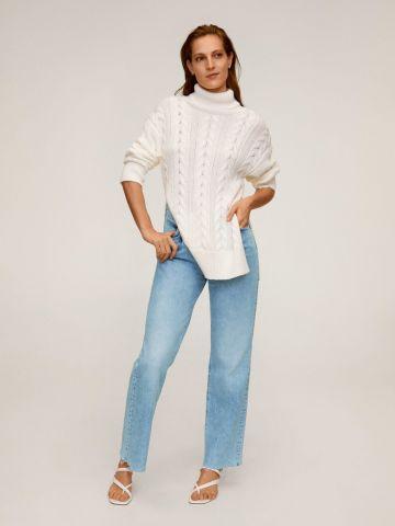 ג'ינס רחב עם סיומת גזורה