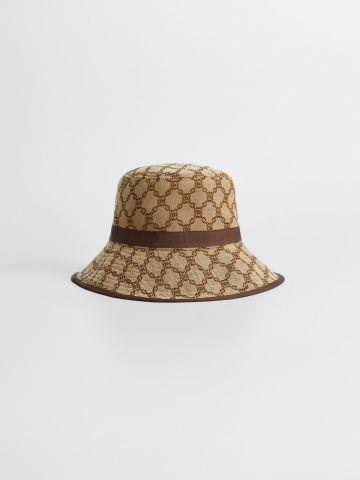 כובע באקט בדוגמת מעויינים