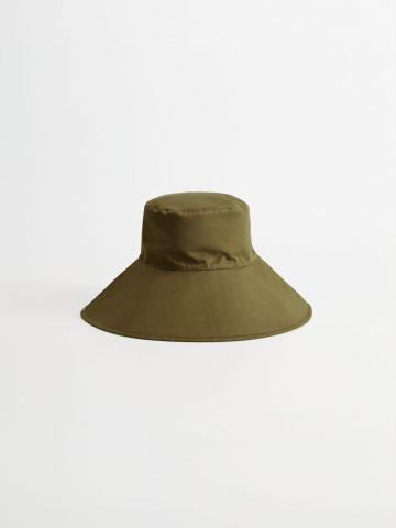 כובע באקט עם קשירה