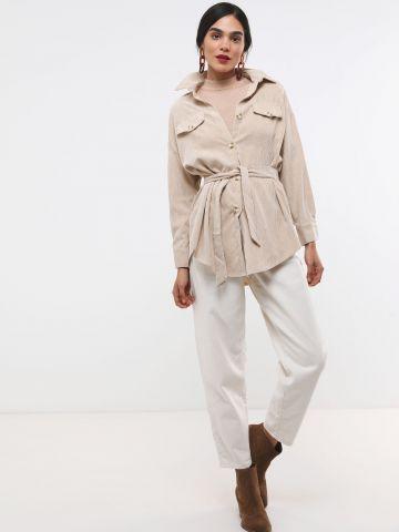 חולצת קורדורוי אוברסייז מכופתרת של YANGA