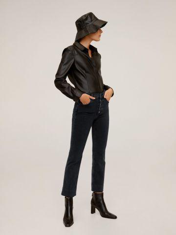 ג'ינס בגזרה גבוהה עם כפתורים