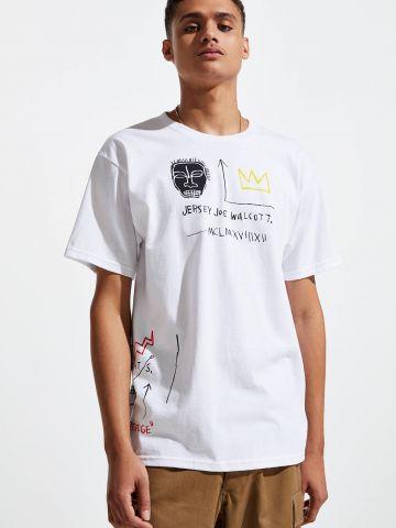 טי שירט  עם הדפס Basquiat UO