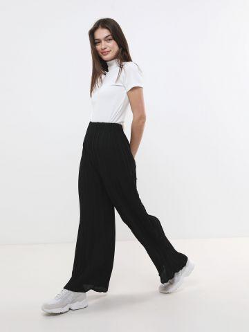 מכנסי פליסה בגזרה רחבה