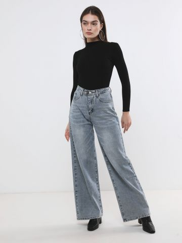 ג'ינס אוברסייז בגזרה גבוהה