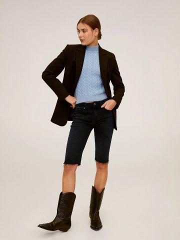 ג'ינס ברמודה בגזרה צמודה