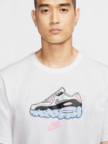 טי שירט עם הדפס נעל ולוגו