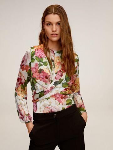 חולצה בסגנון מעטפת בהדפס פרחים של MANGO