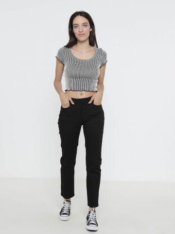 ג'ינס סקיני עם כפתורים