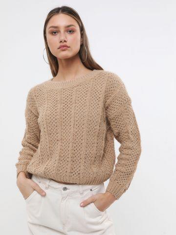 סוודר קלוע בטקסטורת מעויינים