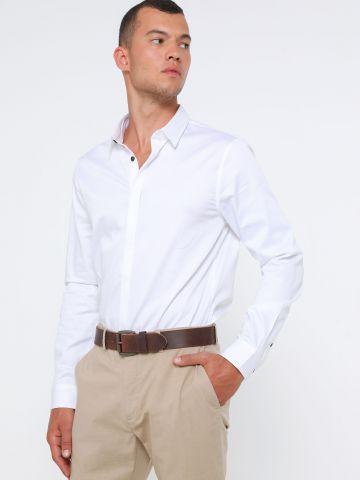 חולצה מכופתרת קלאסית