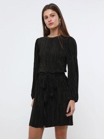 שמלת פליסה מיני עם שרוולים ארוכים