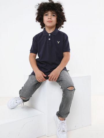 חולצת פולו עם לוגו ניאון