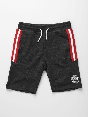 מכנסי טרנינג קצרים עם סטריפים ולוגו / בנים של AMERICAN EAGLE