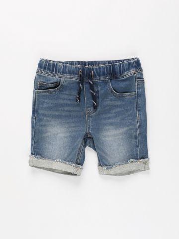 מכנסי ג'ינס קצרים עם גומי / בנים