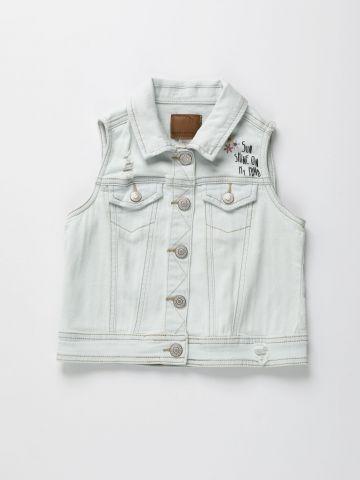 ווסט ג'ינס בשטיפה בהירה עם רקמת פרחים / בנות