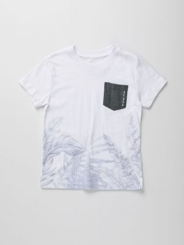 טי שירט עם הדפס טרופי וכיס ג'ינס / בנים