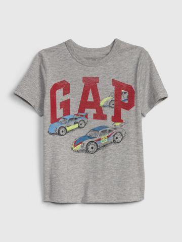 טי שירט עם הדפס לוגו ואיורי מכוניות / 12M-5Y של GAP