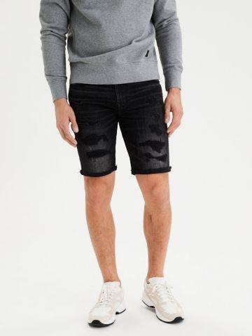 ג'ינס ברמודה קצר עם קרעים