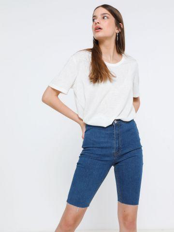 ג'ינס בייקר עם סיומת גזורה