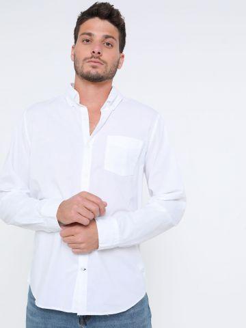 חולצה מכופתרת סלים פיט עם כיס
