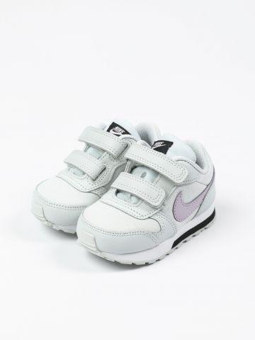 נעלי ריצה עם סקוצ'ים ולוגו / בייבי בנות