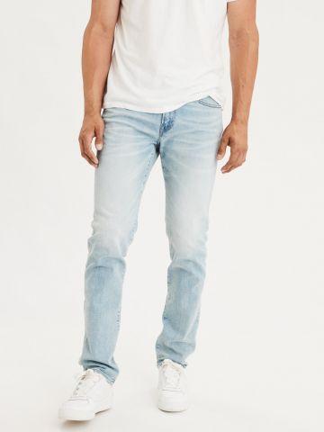 ג'ינס סלים בשטיפה בהירה Slim