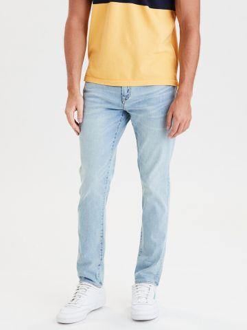 מכנסי ג'ינס בשטיפה בהירה Athletic