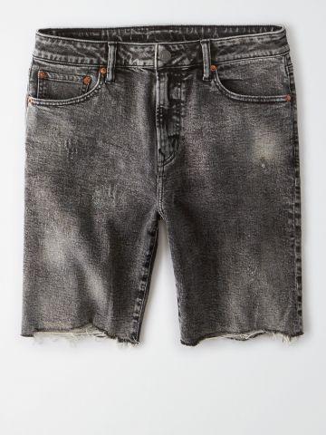 ג'ינס קצר אסיד ווש עם סיומת פרומה / גברים של AMERICAN EAGLE