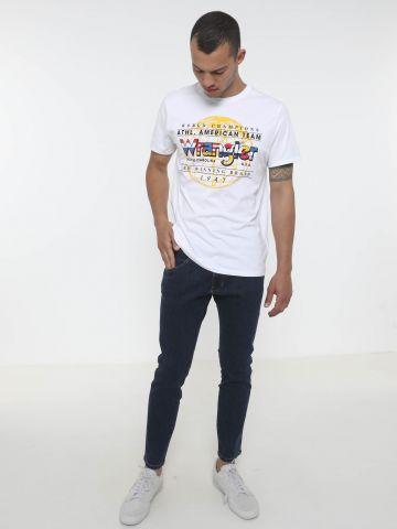 ג'ינס סקיני בשטיפה כהה של WRANGLER