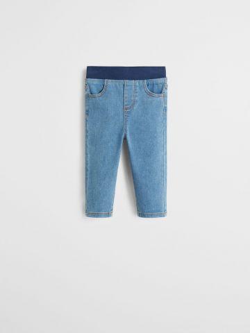 מכנסיים דמוי ג'ינס סטרץ' עם גומי במותן / בנים