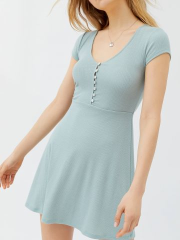 שמלת מיני ריב עם סיומת מתרחבת UO