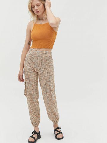 מכנסיים ארוכים בהדפס משבצות UO
