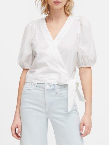 חולצת קרופ מעטפת עם שרוולים נפוחים