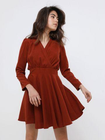 שמלת מיני מעטפת דמוי זמש