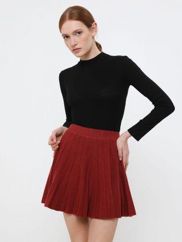 חצאית מיני סרוגה בסגנון פליסה של YANGA