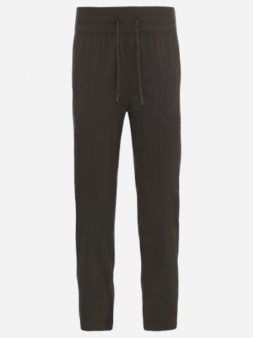 מכנסיים ארוכים עם רקמת לוגו / נשים