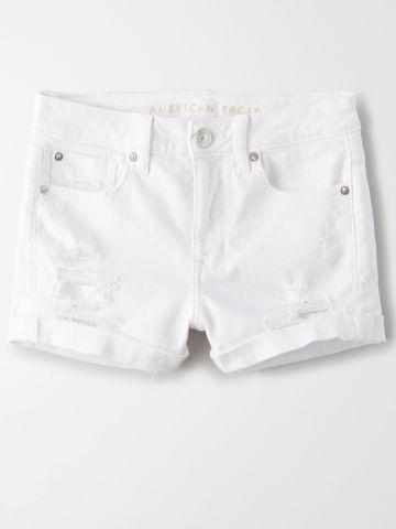 ג'ינס קצר בגזרה גבוהה עם קרעים / נשים