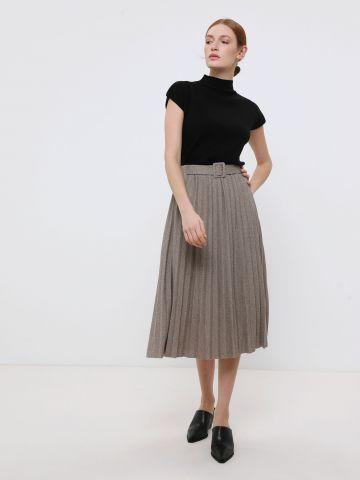 חצאית מידי סרוגה בסגנון פליסה