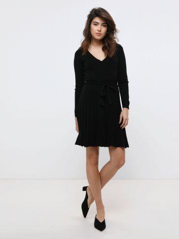 שמלת מיני סרוגה בסגנון מעטפת