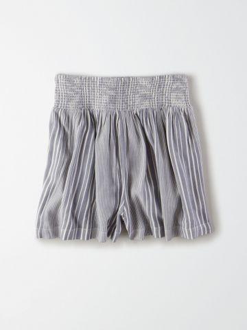 מכנסיים קצרים רחבים בהדפס פסים / נשים