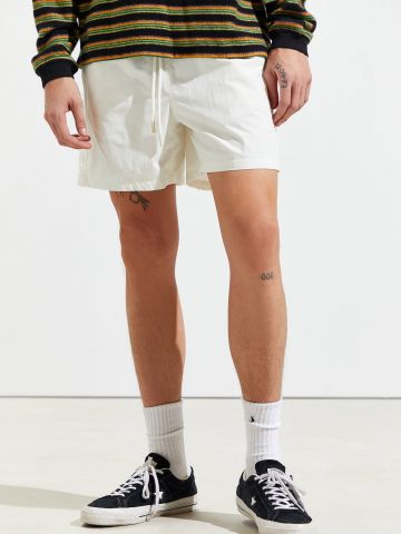 מכנסי ניילון קצרים Standard Cloth של URBAN OUTFITTERS