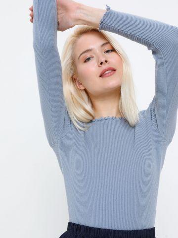 חולצת סריג עם שוליים גליים