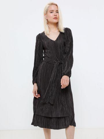 שמלת מידי פליסה בגימור מבריק של YANGA