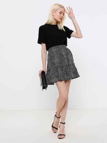 חצאית מיני קומות עם עיטורים מטאליים