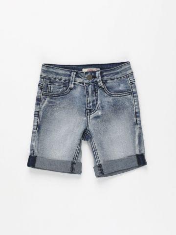 מכנסי ג'ינס אסיד ווש קצרים  / בנים