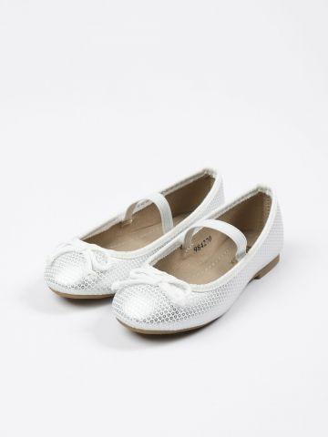 נעלי בובה נקודות באפקט מבריק / בנות