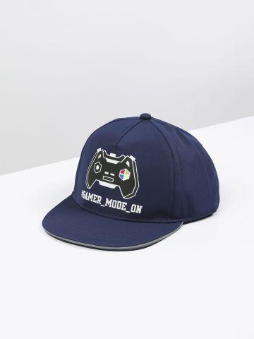 כובע מצחייה עם הדפס Gamer Mode On / בנים