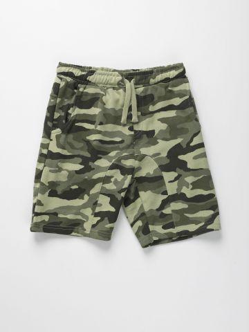 מכנסיים קצרים בהדפס קמופלאז' / בנים