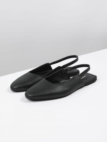 נעלי סירה עם סיומת מחודדת / נשים