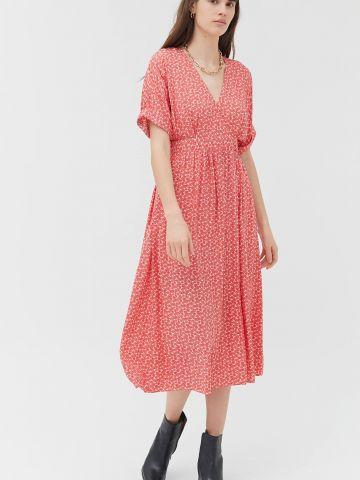 שמלת מידי בסגנון מעטפת בהדפס פרחים UO